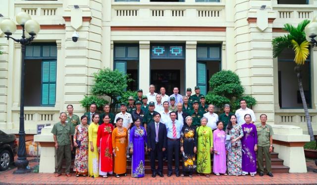 Bộ LĐ-TBXH gặp mặt đoàn đại biểu người có công với cách mạng tỉnh Cà Mau - 1