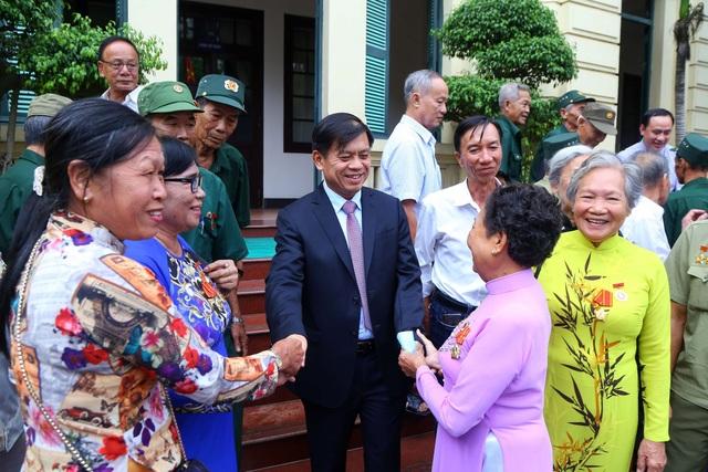 Bộ LĐ-TBXH gặp mặt đoàn đại biểu người có công với cách mạng tỉnh Cà Mau - 5