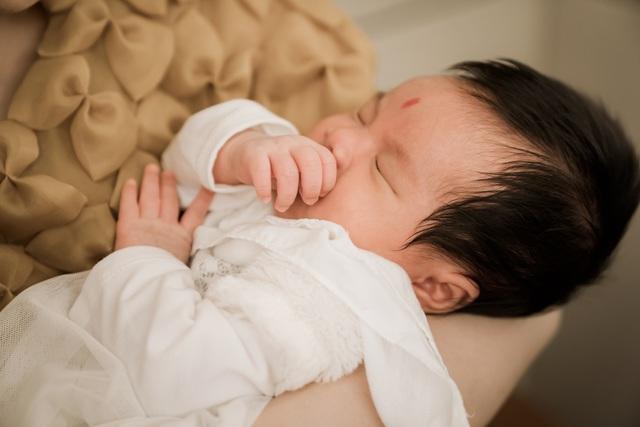Sao mai Nguyễn Thu Hằng bất ngờ công bố đã sinh con dù chưa đám cưới - 3