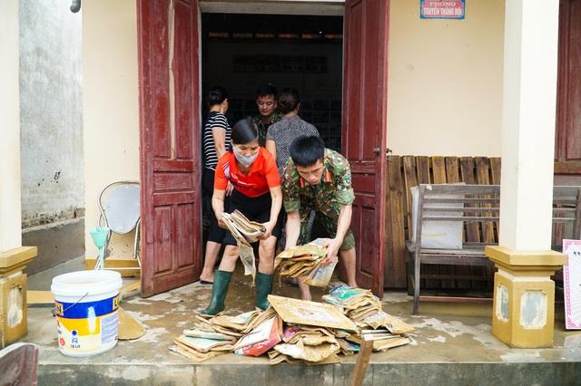 Ngành Giáo dục Nghệ An thiệt hại hơn 15 tỷ đồng do mưa lũ - 7
