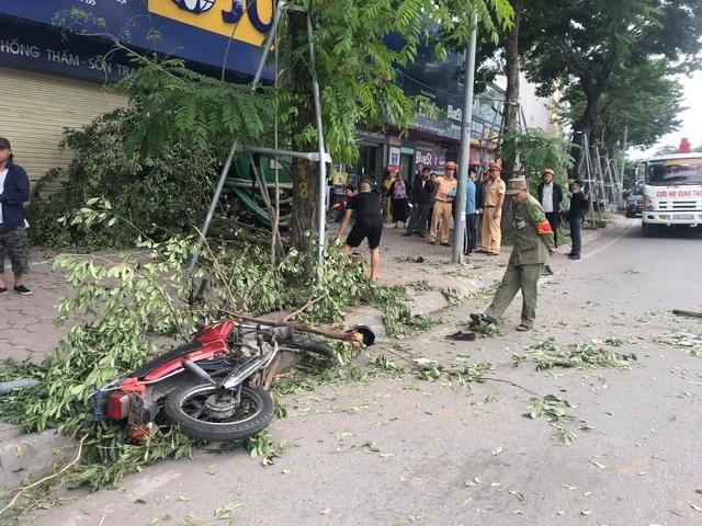 Hà Nội: Truy tìm tài xế xe tải gây tai nạn khiến một phụ nữ tử vong - 3
