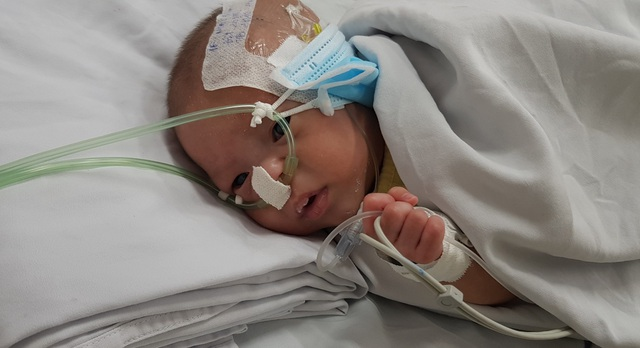 Bé trai sơ sinh vừa chào đời bị bỏ rơi trong bệnh viện - 1