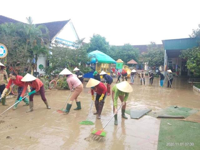Ngành Giáo dục Nghệ An thiệt hại hơn 15 tỷ đồng do mưa lũ - 10