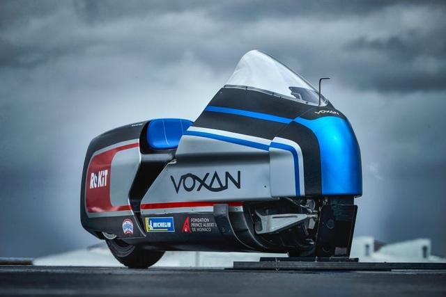 Bàng hoàng kỷ lục tốc độ 336,94 km/h xe máy điện vừa thiết lập - 1