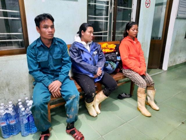 Thai phụ được khiêng vượt 20km đường sạt lở đi cấp cứu nhưng vẫn mất con - 6