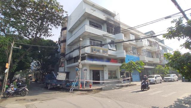 6 người kẹt trong căn nhà 5 tầng cháy ngùn ngụt ở Sài Gòn - 3