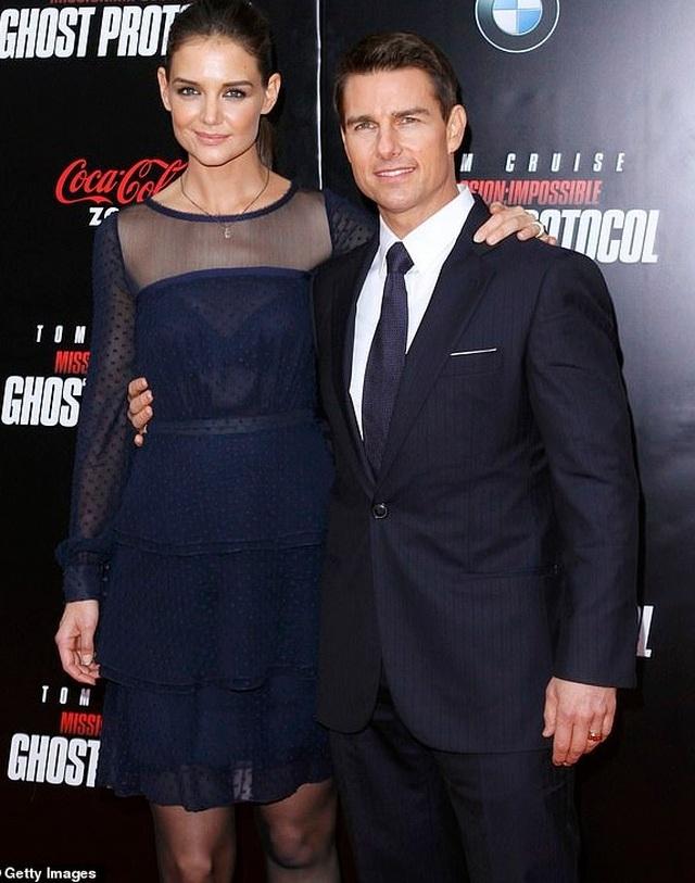 Vợ cũ Tom Cruise rạng ngời hạnh phúc từ khi có bồ trẻ - 8