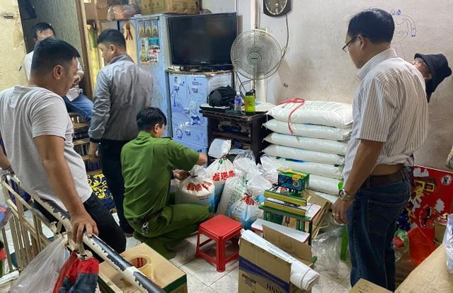 Bắt quả tang nhóm sản xuất bột ngọt giả trong khu dân cư - 3