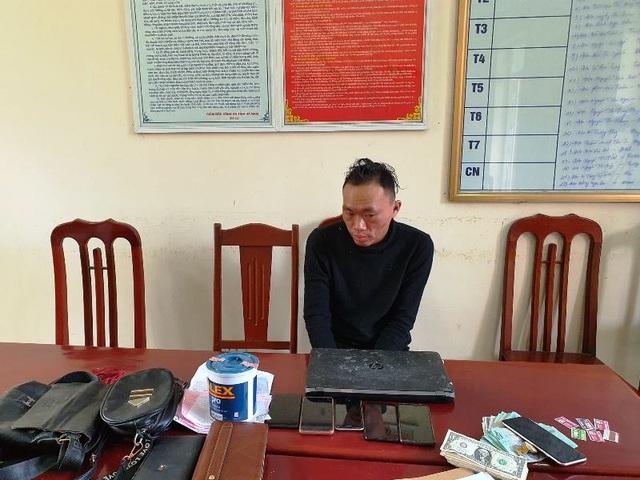 """Bắt """"cô đồng"""" gây ra hơn 30 vụ trộm cắp liên tỉnh từ Nghệ An ra Hà Nội - 1"""