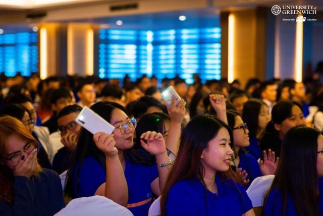 """500 sinh viên Đà Nẵng được """"tiếp lửa"""" ước mơ từ CEO FPT - 2"""