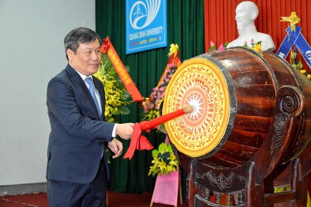 Trường Đại học Quảng Bình chào đón hơn 1.400 tân sinh viên ở các hệ đào tạo - 1