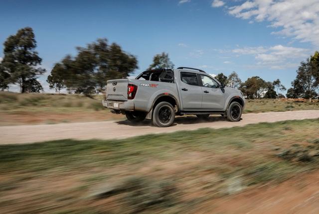 Nissan Navara 2021 xuất kích, sẵn sàng đấu với Ford Ranger - 21