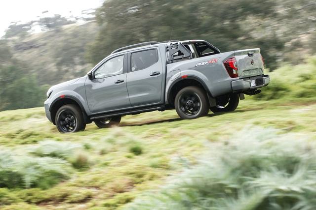 Nissan Navara 2021 xuất kích, sẵn sàng đấu với Ford Ranger - 8