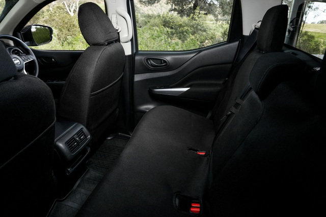 Nissan Navara 2021 xuất kích, sẵn sàng đấu với Ford Ranger - 46