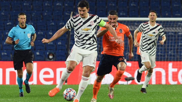 Man Utd thua tủi hổ trên sân của Buyuksehir - 3
