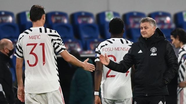 Man Utd thua tủi hổ trên sân của Buyuksehir - 2