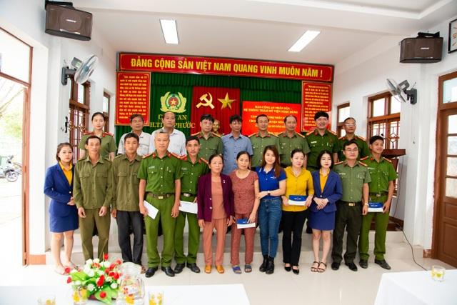 Thẩm mỹ viện Ngọc Dung ủng hộ 2,7 tỷ đồng cho 8 tỉnh miền Trung - 5