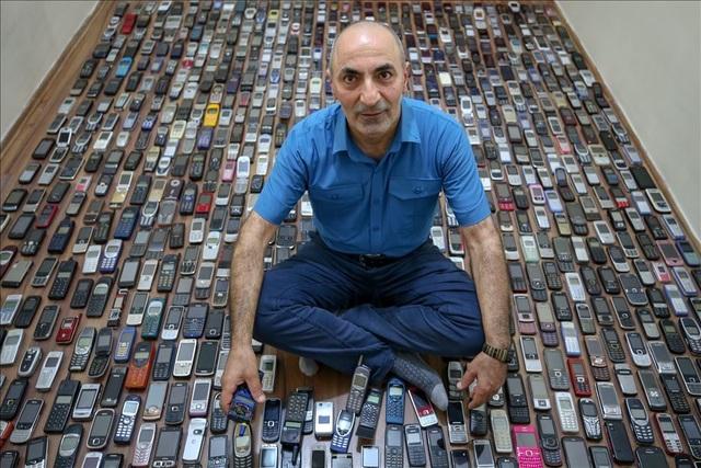 Người đàn ông với bộ sưu tập hơn 1.000 chiếc điện thoại cổ - 9