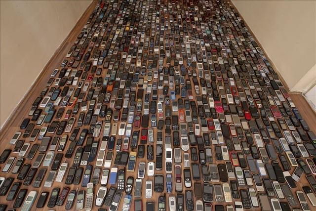 Người đàn ông với bộ sưu tập hơn 1.000 chiếc điện thoại cổ - 5