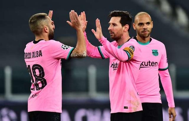 Sự xuống dốc đáng lo của siêu sao Lionel Messi - 1