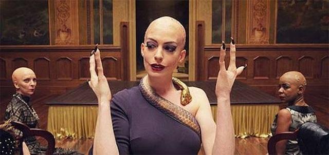 Anne Hathaway xin lỗi vì vai diễn có bàn tay khiếm khuyết gây tổn thương - 4