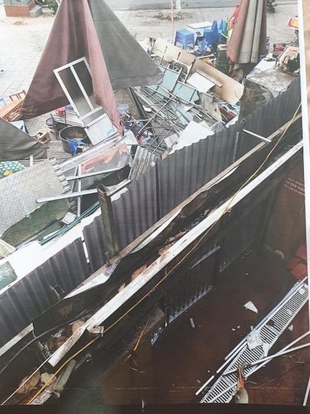 """Côn đồ đập phá, đánh dân dã man tại quận Ba Đình: Thủ phạm có thoát êm""""? - 4"""
