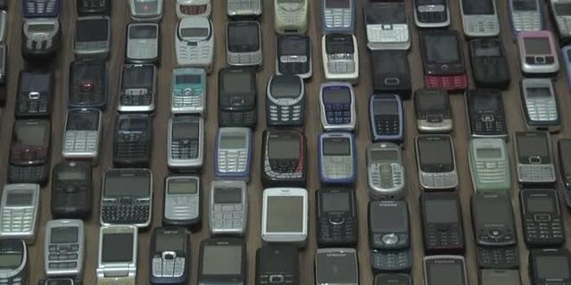 Người đàn ông với bộ sưu tập hơn 1.000 chiếc điện thoại cổ - 8