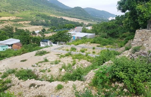 Bạt núi, san nền trái phép dưới chân núi Cô Tiên Nha Trang - 7