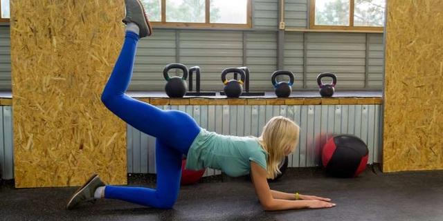 6 bài tập kéo giãn và tăng sức mạnh để giảm đau đầu gối - 5