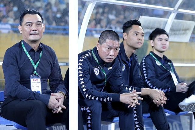 HLV Chu Đình Nghiêm có nguy cơ vắng mặt ở trận gặp Than Quảng Ninh - 1