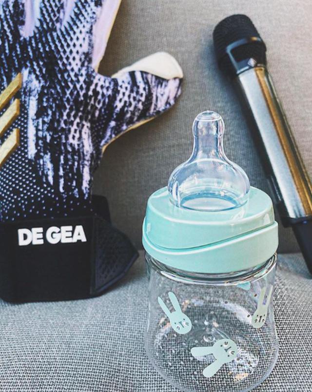 De Gea và bạn gái hạnh phúc chào đón con đầu lòng - 1