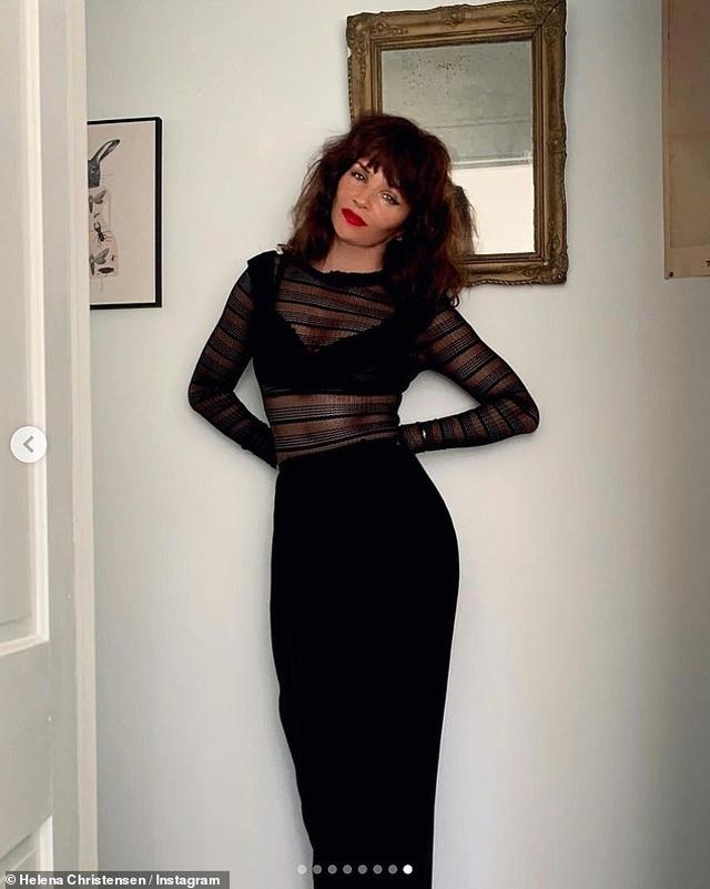 Ngưỡng mộ dáng vóc hoa hậu 52 tuổi Helena Christensen - 4