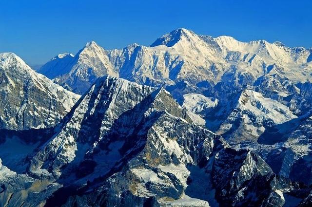 Hé lộ bí mật về nguồn gốc của dãy núi cao nhất Trái đất - 1