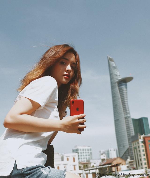 iPhone XR 2020 chính hãng đầu tiên tại Việt Nam lên kệ FPT Shop - 1