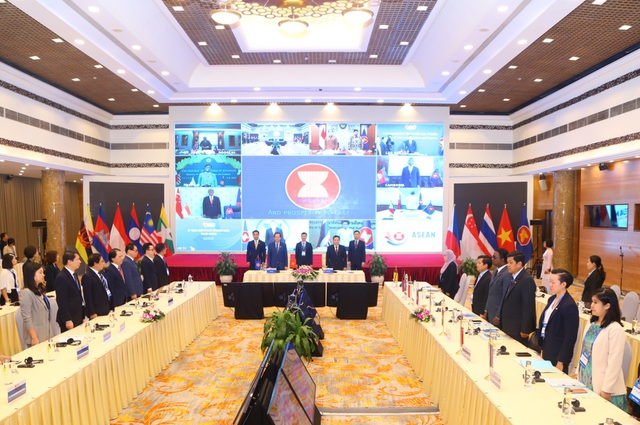Bộ trưởng cácnước ASEAN đồng thuận đối với 12 văn kiện, tuyên bố - 2