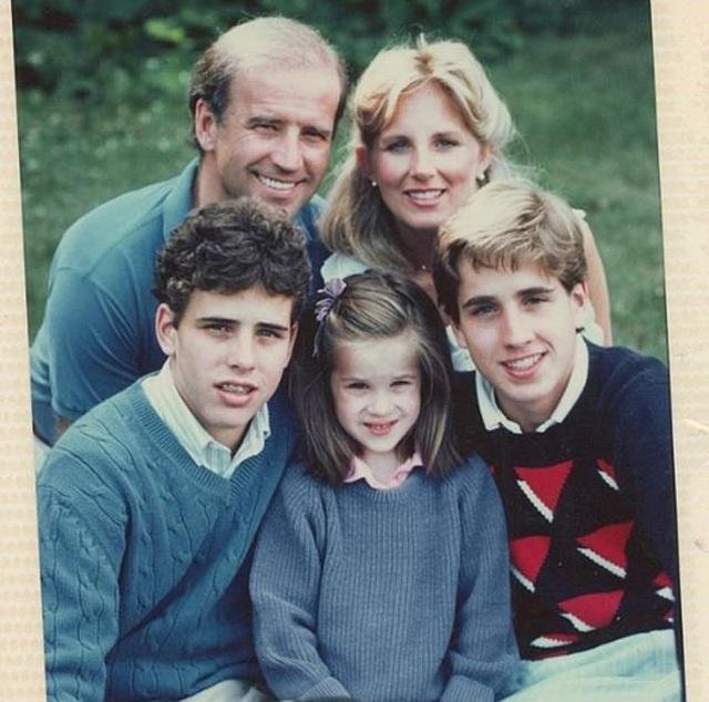 Chân dung người vợ mà ông Biden từng 5 lần cầu hôn  - 4