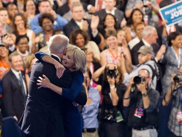 Chân dung người vợ mà ông Biden từng 5 lần cầu hôn  - 11