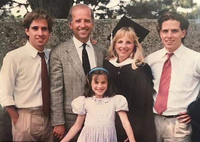 Chân dung người vợ mà ông Biden từng 5 lần cầu hôn  - 6