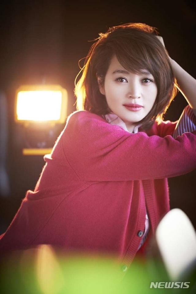 """""""Chị đẹp"""" Kim Hye Soo trải lòng về mối quan hệ đổ vỡ với mẹ ruột - 4"""