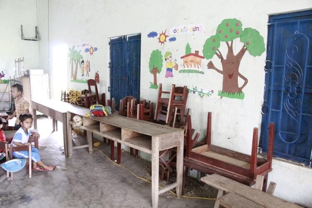 Hàng trăm học sinh học tạm hội trường thôn: Sẽ xây dựng nhà vệ sinh trước - 5