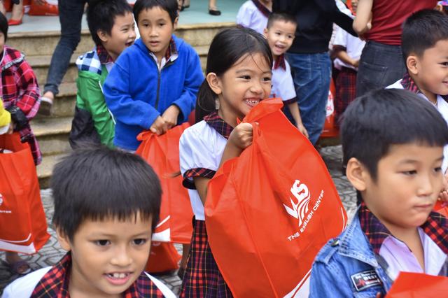 Miền Trung chung một nhịp đập: VUS góp nắng về với trẻ em miền Trung - 3