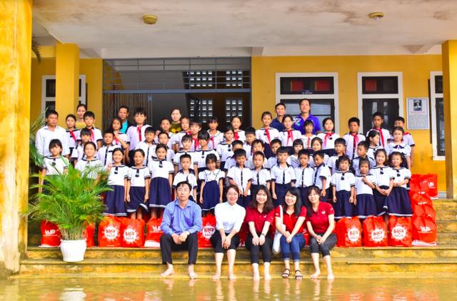 Miền Trung chung một nhịp đập: VUS góp nắng về với trẻ em miền Trung - 4