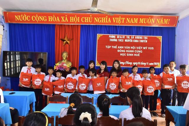 Miền Trung chung một nhịp đập: VUS góp nắng về với trẻ em miền Trung - 5
