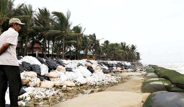 Phố cổ Hội An ngập lụt lần thứ 5 trong vòng 1 tháng - 11