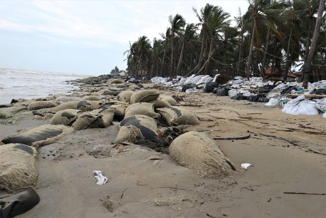Phố cổ Hội An ngập lụt lần thứ 5 trong vòng 1 tháng - 12