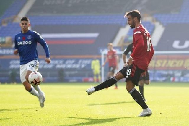 Everton 1-3 Man Utd: Dấu ấn nổi bật của Fernandes - 9