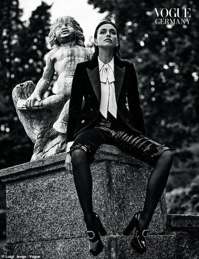 Tình cũ của Ronaldo khoe dáng chuẩn trên tạp chí Vogue - 4