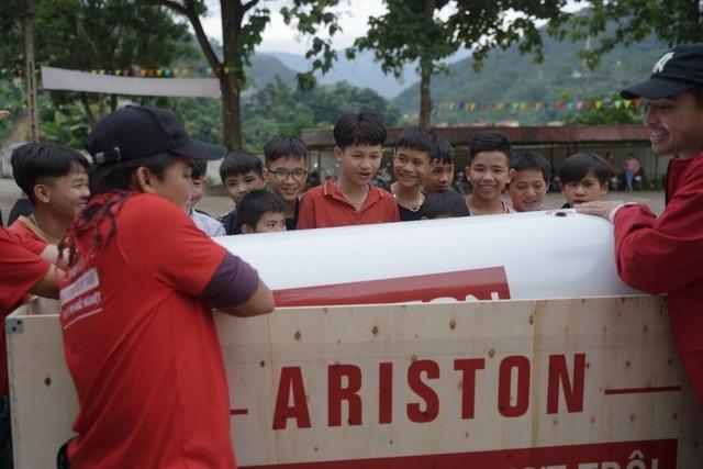 Ariston mang sự thoải mái tới hơn 1000 học sinh huyện Hoàng Su Phì - 1