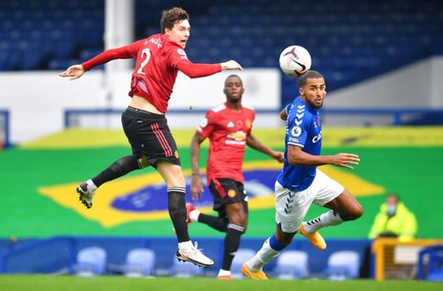 Everton 1-3 Man Utd: Dấu ấn nổi bật của Fernandes - 14