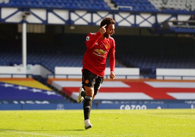 Everton 1-3 Man Utd: Dấu ấn nổi bật của Fernandes - 10